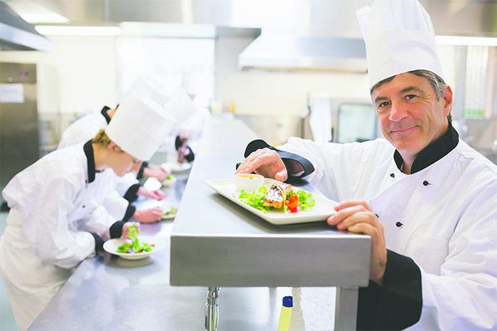 Có thể bạn chưa biết nghề đầu bếp lương bao nhiêu?