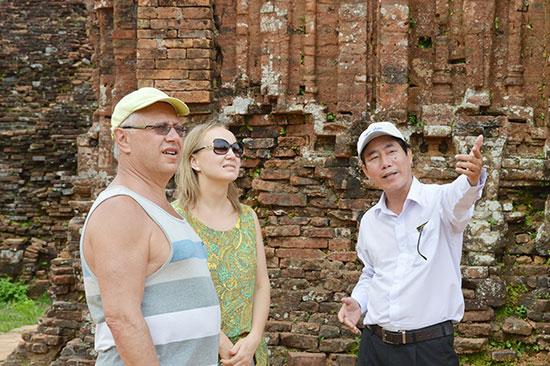 Khi dẫn tour du lịch hướng dẫn viên cần biết 4 lĩnh vực này